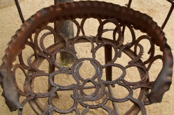 Horse shoe seat