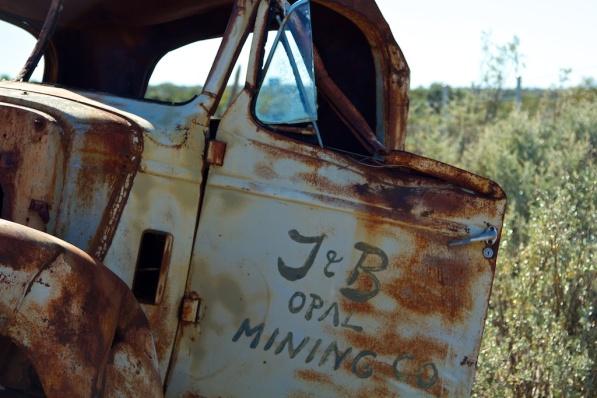 J & B Opal Mining